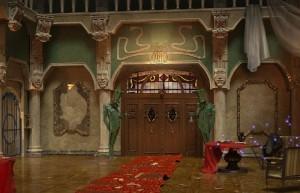 Агентство Аномалий: Последнее представление, холл, дверь